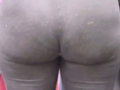 MILF With A Great Ass In Tight Leggings