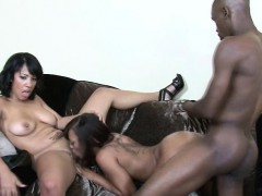 Black Bimbos Suck Dick And Doggystyled In Threesome