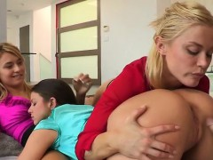Horny Students Have Orgy With Gifted Jock