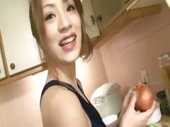 Kitchen maiden Yuu cooks up something hot in her kitchen