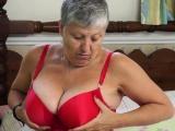 EuropeMature Savana exposing hot old body