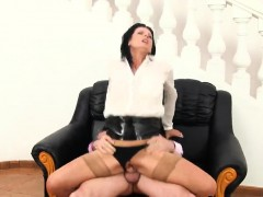 Speechless Peach In Undies Is Geeting Pissed On And Rode
