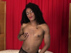 Ebony Shemale Wanking Her Bbc In Solo Action