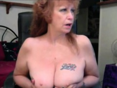 Beauty hot mature dildoing pussy