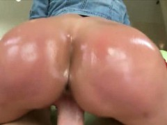 Luscious big ass milf Kendra Lust nailed by huge cock