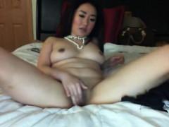 Sexy Asian Webcam Teen Wants a Facial