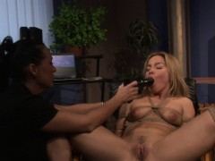 Submissives gets pussy toyed in BDSM action