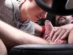 FamilyDick-Muscle bear dad fucks boy in car for smoking