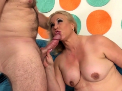 Sexy Mature Woman And Her Guy Hug With Each Other She Sucks