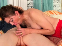 Sexy Mature Woman Gets Her Tits Sucked By A Skinny Guy She