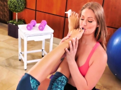 Injured Kayla Gets A Her Feet Worshipped By Her Girlfriend