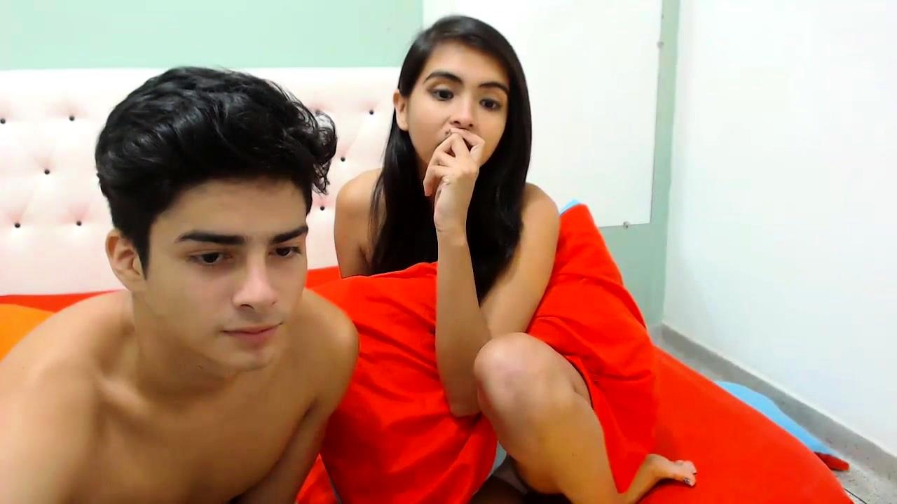 Teen Webcam Dildo Blowjob