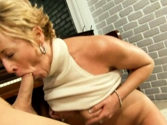 Luscious Mature Honey Does Some Sexy Tricks With Hard Boner